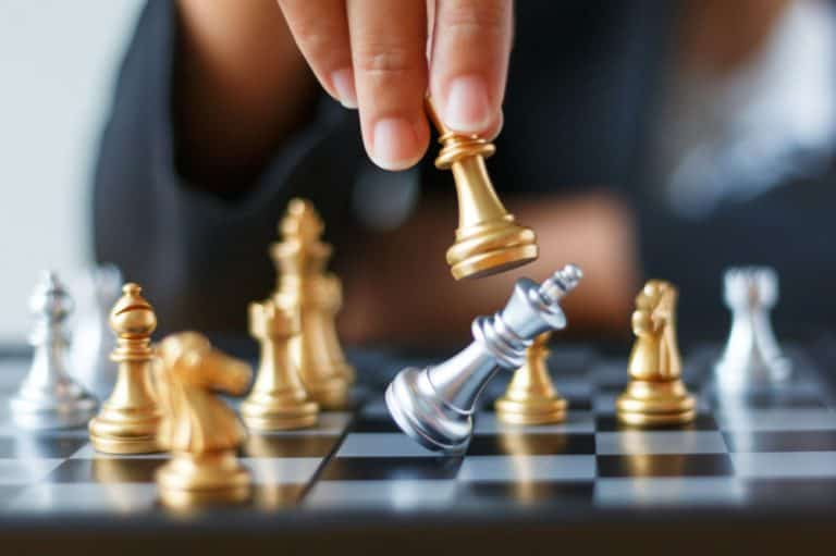 Best Chess Set for Beginners (2021 Review)