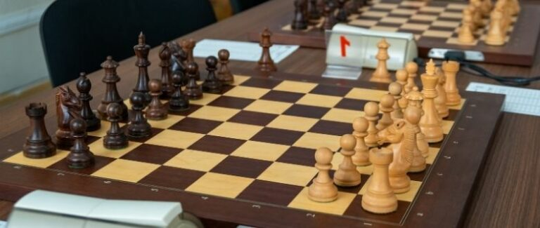 What size is a tournament chess board?