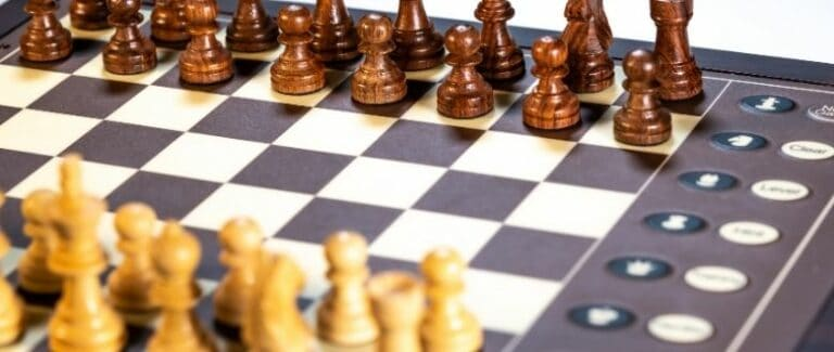 The Best Electronic Chess Sets in 2021 (Top 3 Reviewed)